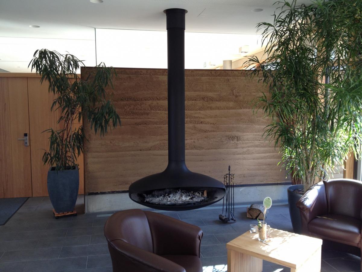 h ngender kamin f r innen arnold wohlf hlen mit fen. Black Bedroom Furniture Sets. Home Design Ideas
