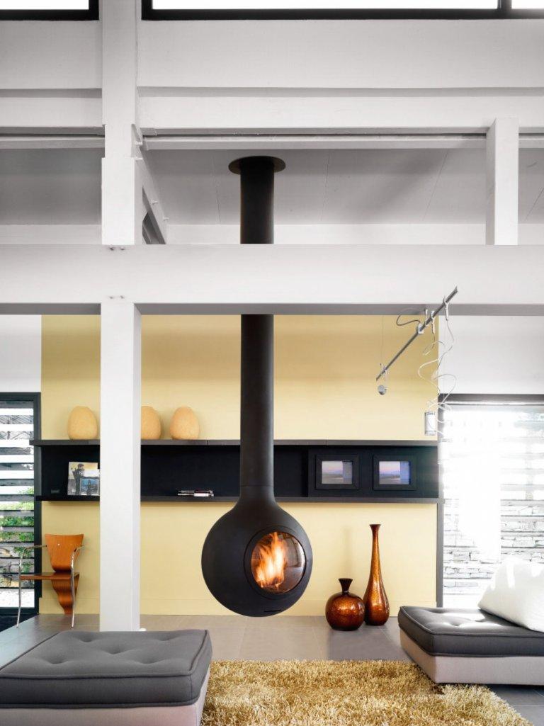 h ngender kamin f r innen arnold wohlf hlen mit fen und fliesen. Black Bedroom Furniture Sets. Home Design Ideas